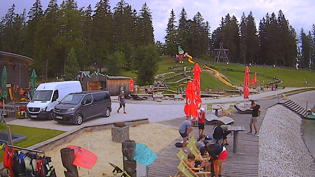 http://www.sbm-web.at/members/webcam/arche/Biberwasser/Webcam.jpg